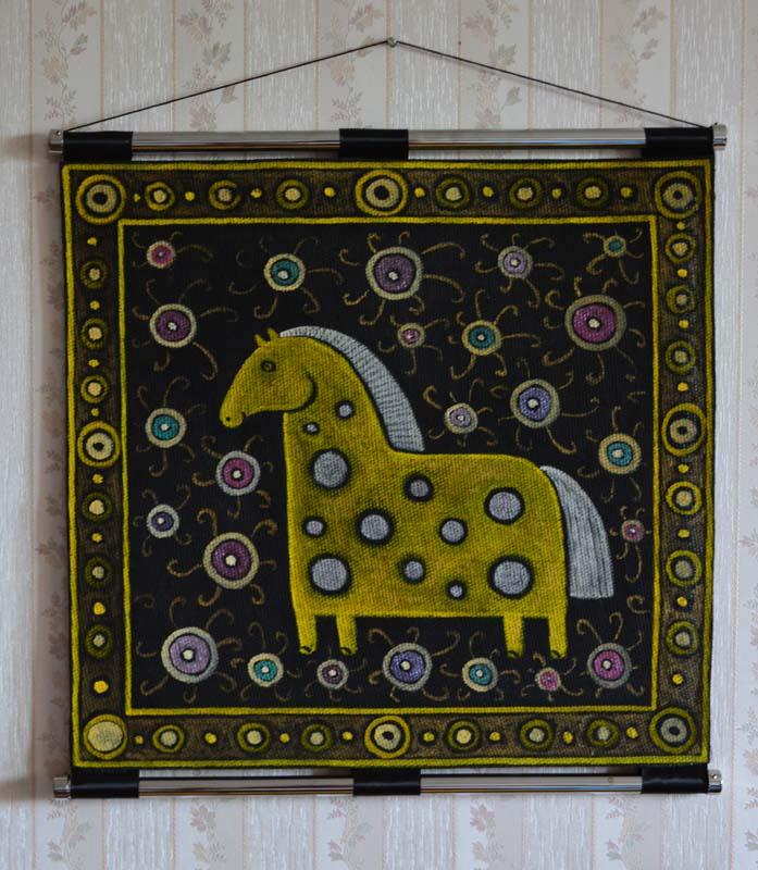 картина Лошадка, картина с оформлением на стене