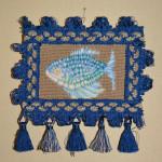 картина Синяя рыба гурами. Декоративная вышивка, шерсть, мулине, 10х15 см, рамка