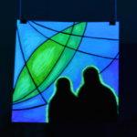 Наблюдатели, светящаяся картина флуоресцентными красками maryatekun.ru