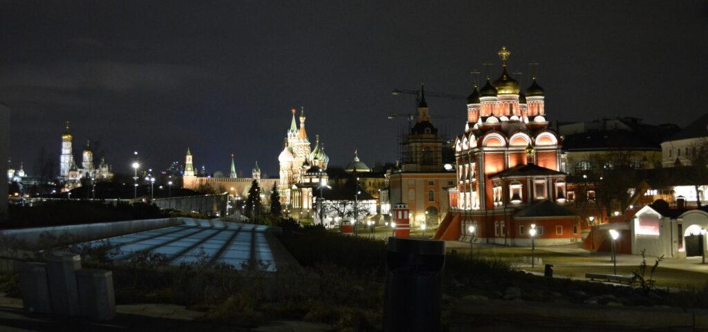 Москва. Зарядье. Ночь. Апрель фото maryatekun.ru